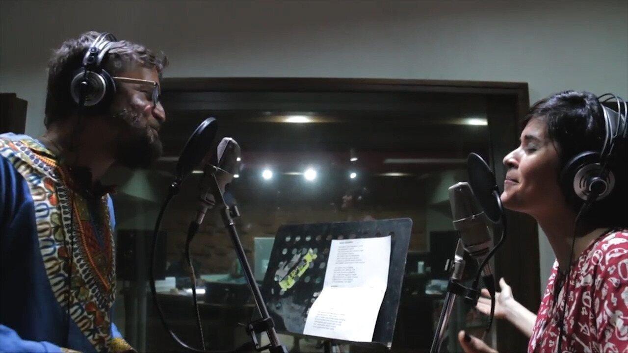 Confira um trecho do clipe Roda Gigante, de Thathi e Saulo