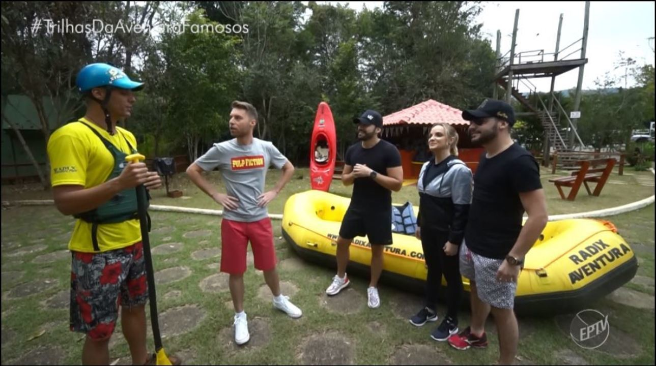 O trio Villa Baggage praticou rafting