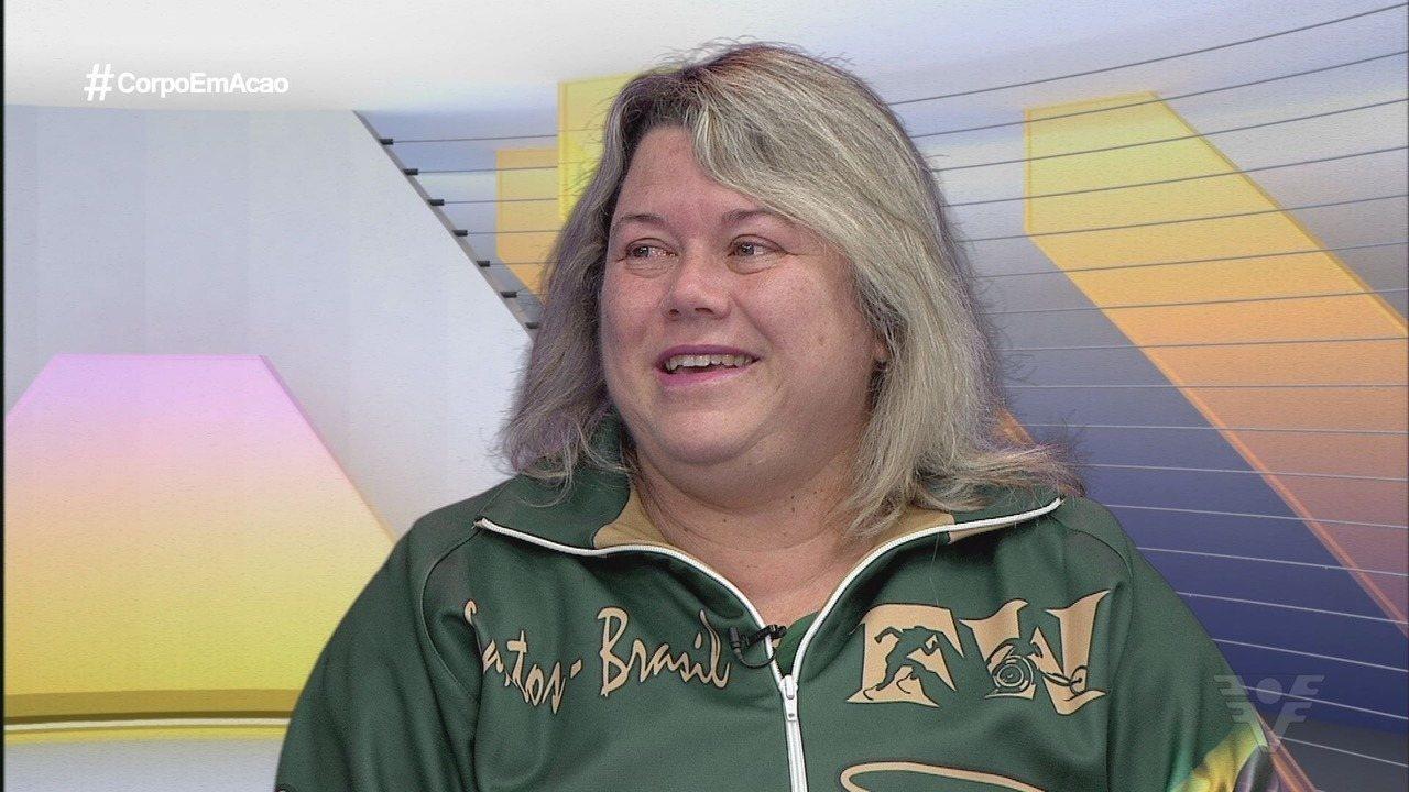 Beth Gomes comemora quebra de recordes mundiais e é homenageada em Santos