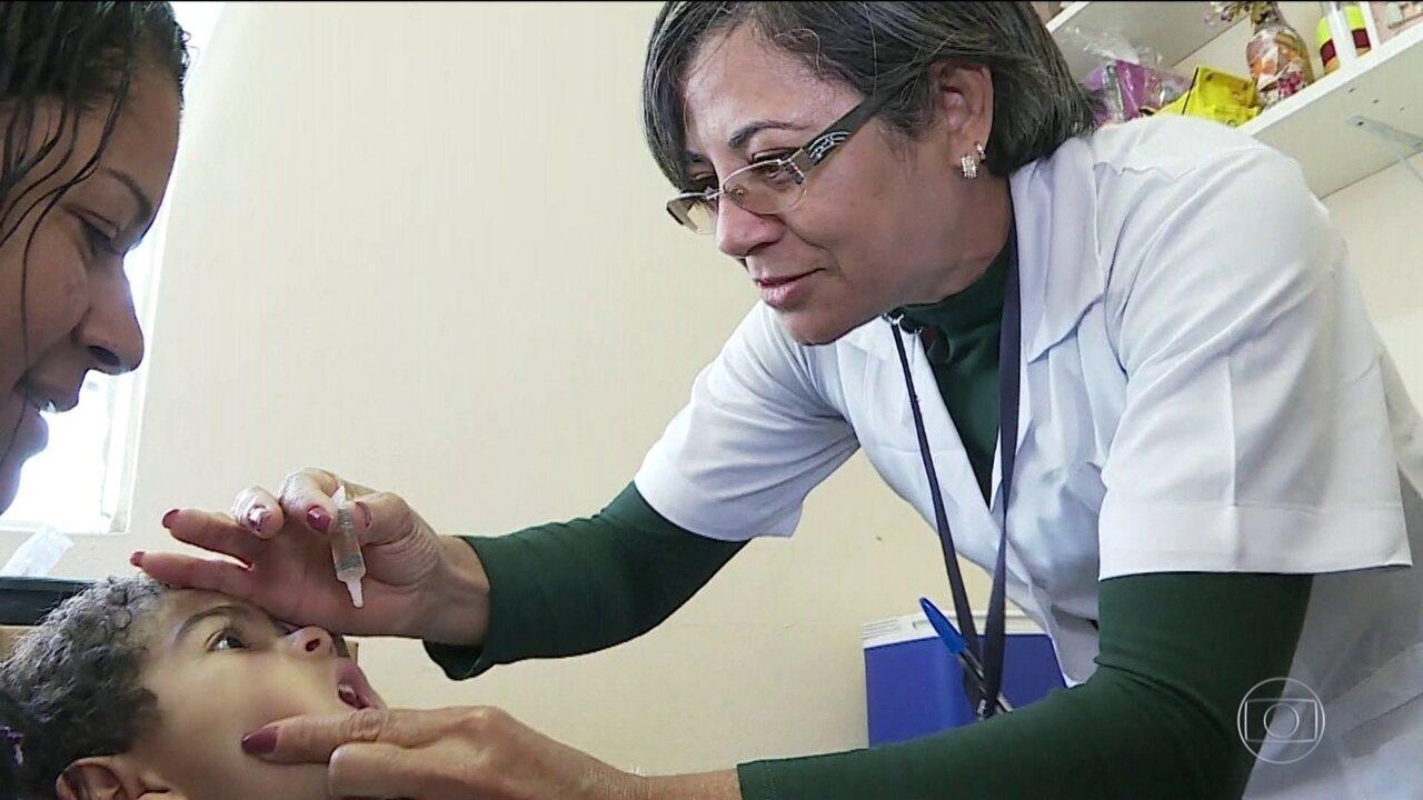 Postos de saúde abrem neste sábado (11) para vacinação contra sarampo e poliomielite