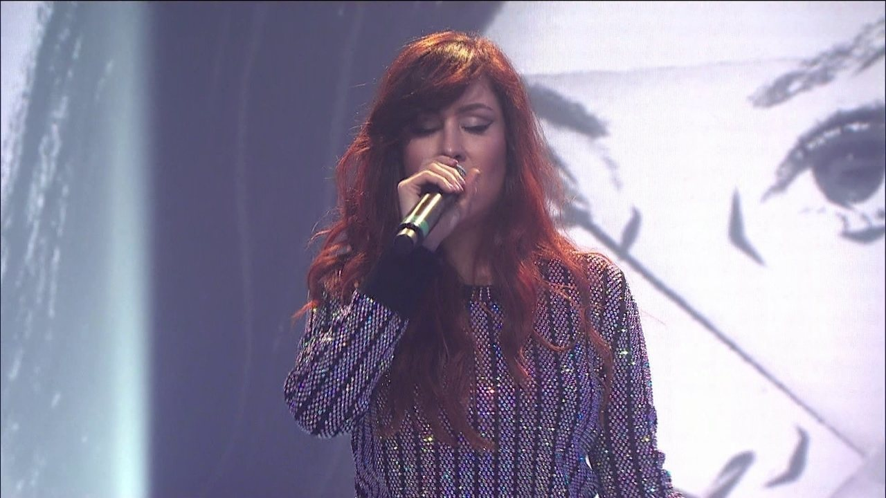 Pitty canta 'Me Adora' no palco do Fantástico