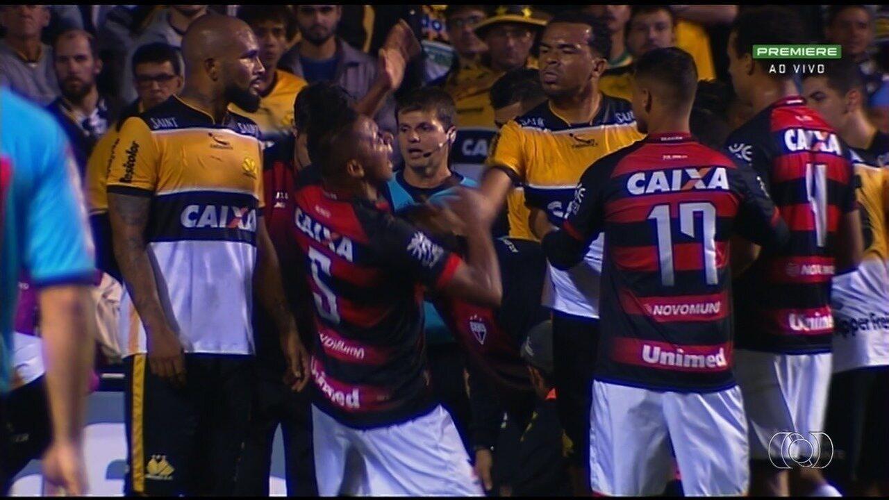 Atlético-GO empata com o Criciúma em jogo marcado por confusão