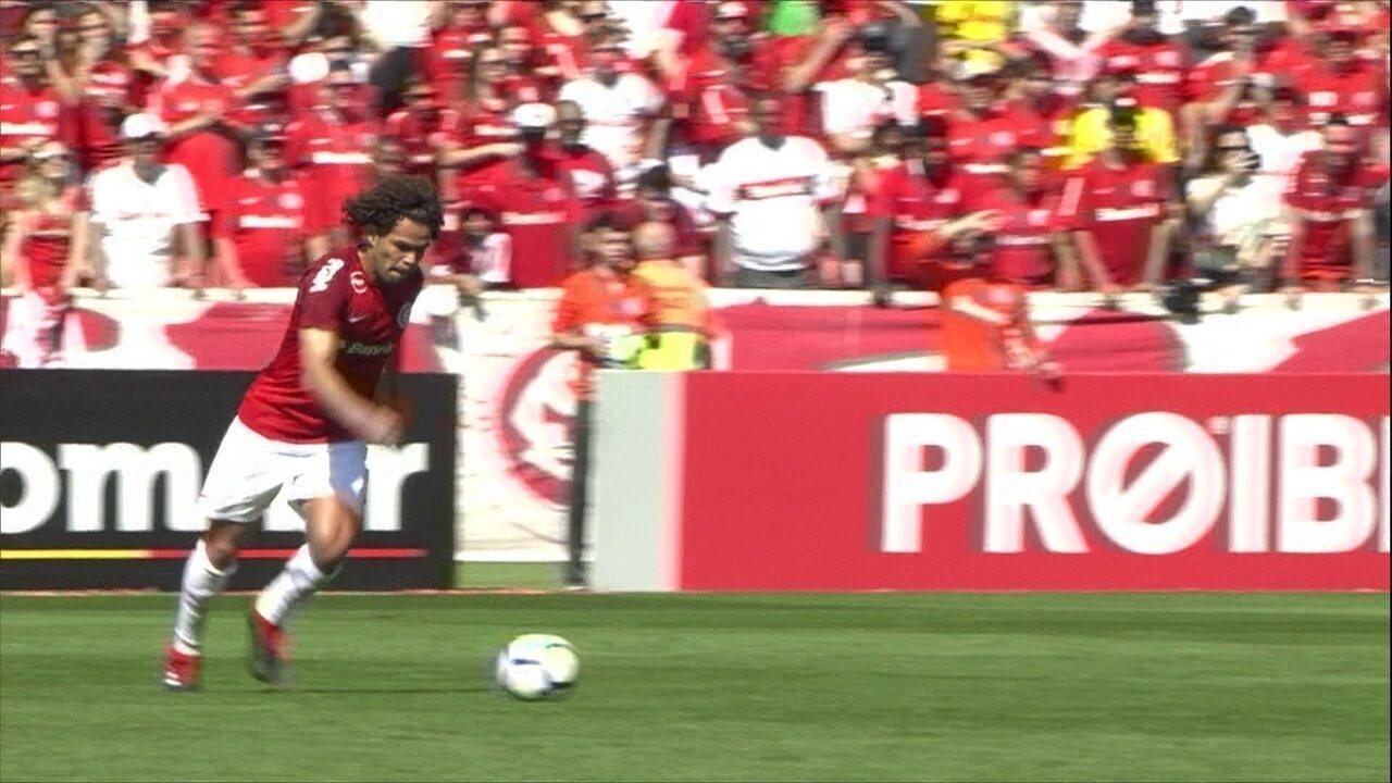 b40563f3f2144 Melhores momentos  Internacional 1 x 0 Paraná pela 19ª rodada do Campeonato  Brasileiro
