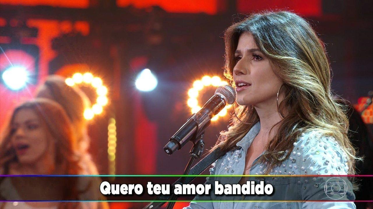 Paula Fernandes é só sucesso com 'Pássaro de Fogo'