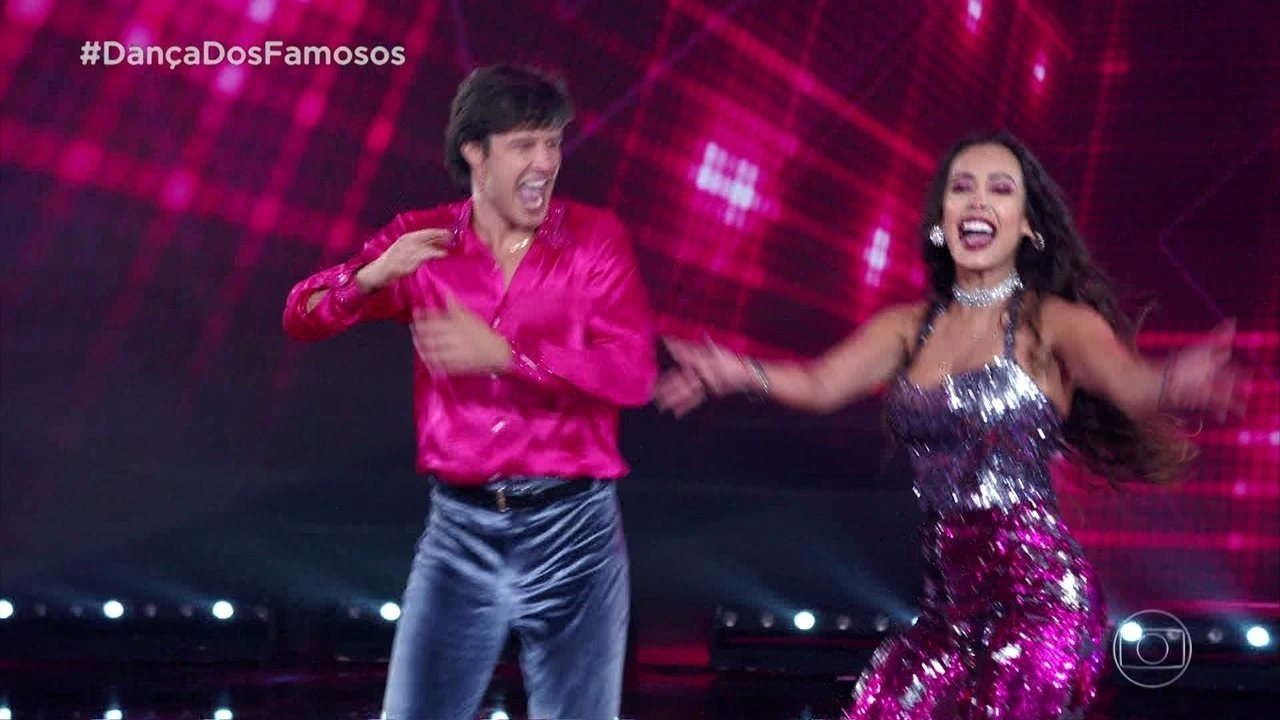 Nando Rodrigues arrepia com Tatiana Scarletti no 'Dança dos Famosos'