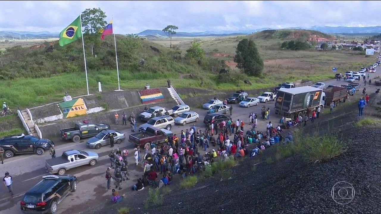 Homens da Força Nacional embarcam para Roraima após conflitos entre moradores e imigrantes