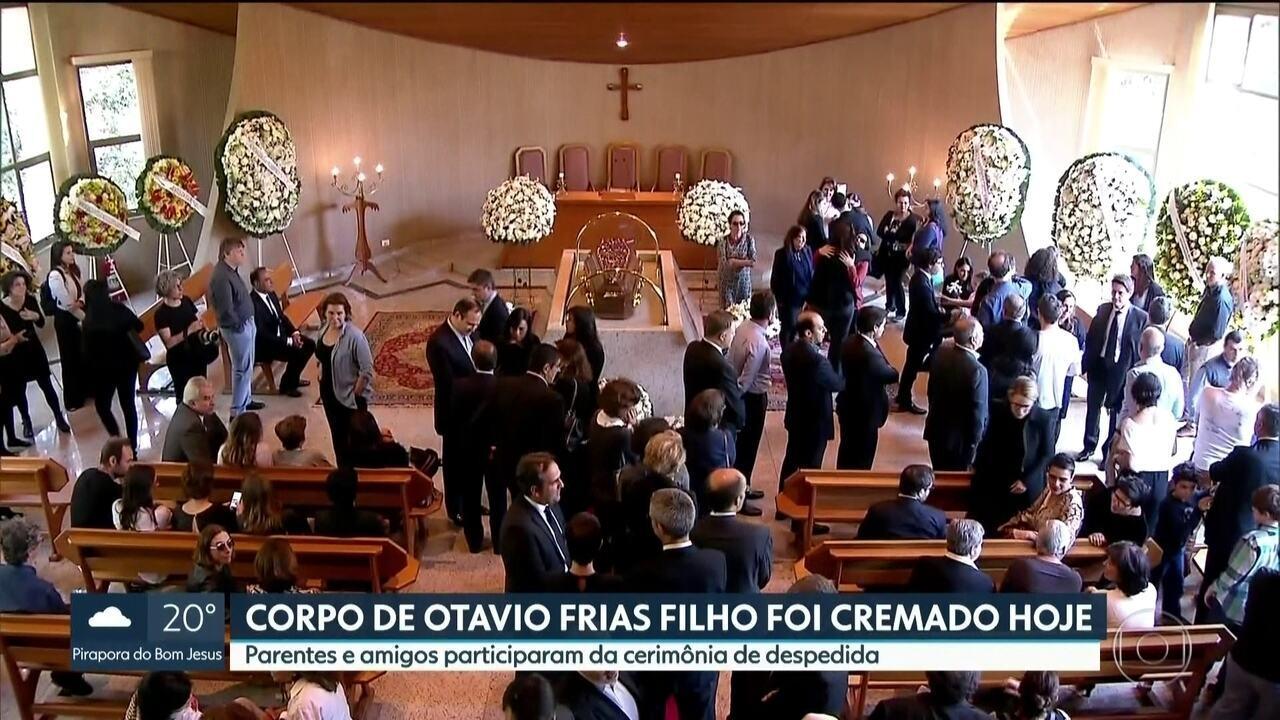 Corpo de Otávio Frias Filho é cremado no cemitério Horto da Paz, em Itapecerica da Serra