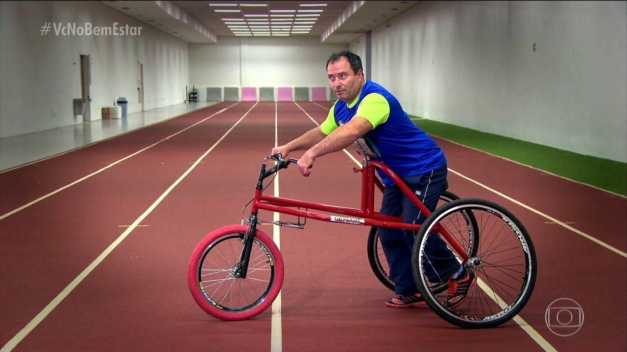 Bicicleta adaptada dá mobilidade para deficientes físicos e idosos com risco de cair
