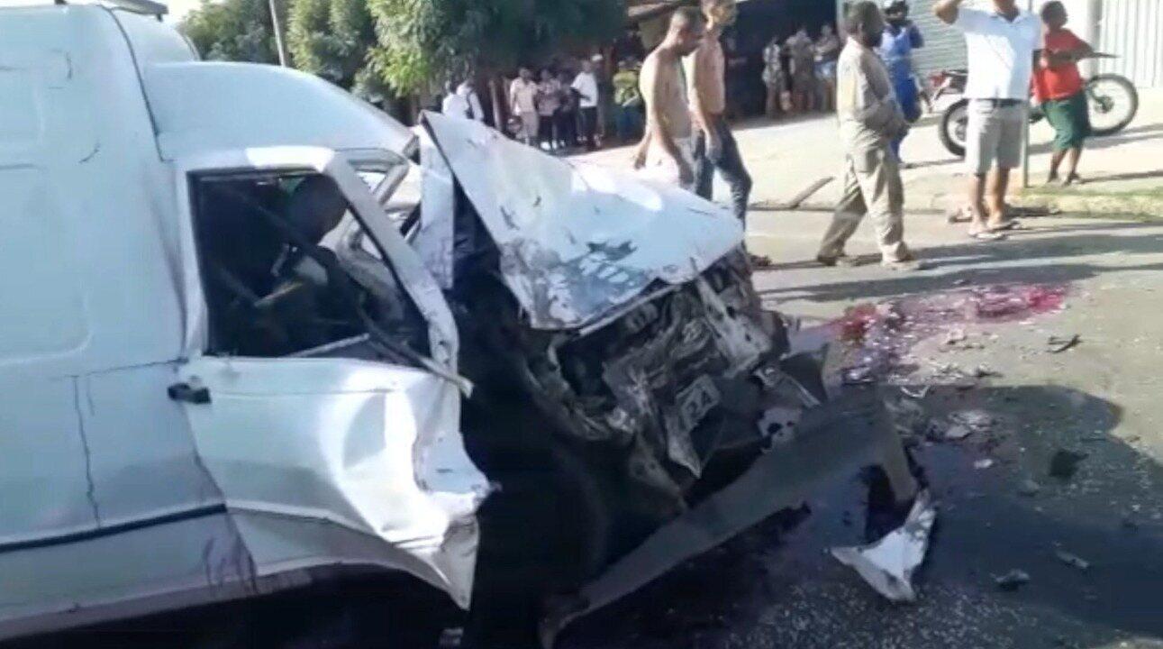 Duas pessoas ficam feridas após animal invadir pista e causar ... 21768b2302a1e