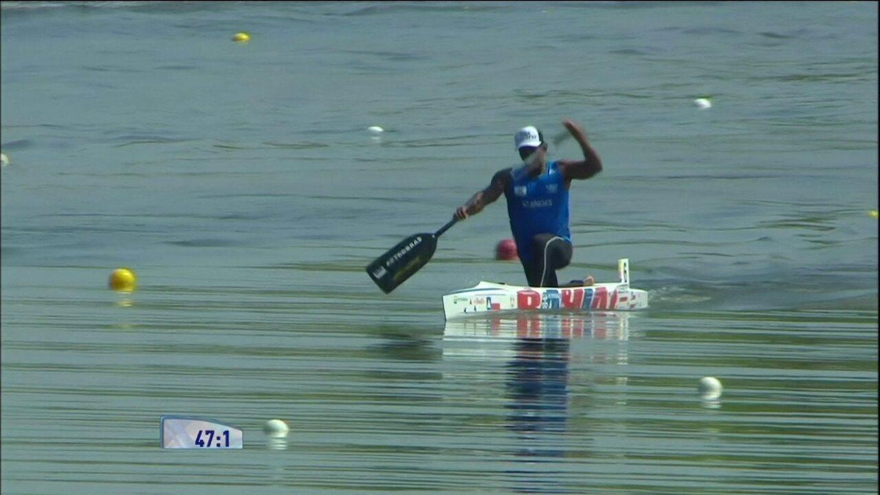 Isaquias fica em terceiro na prova C1 1000m do Mundial de canoagem velocidade
