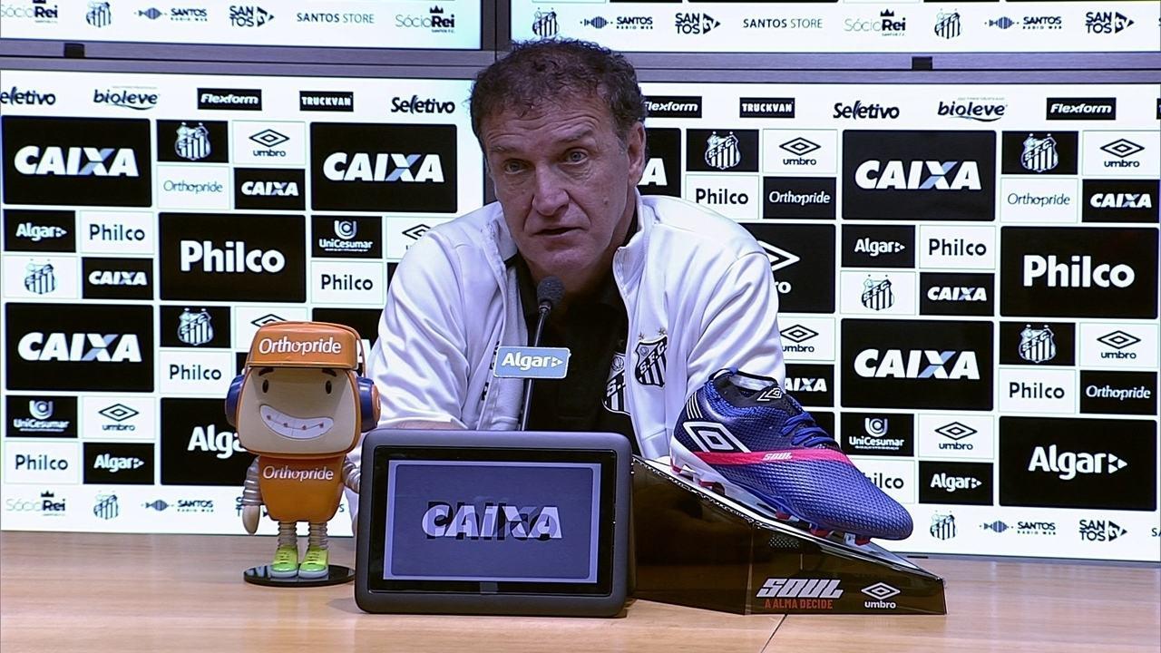 Cuca concede entrevista coletiva após vitória do Santos contra o Bahia