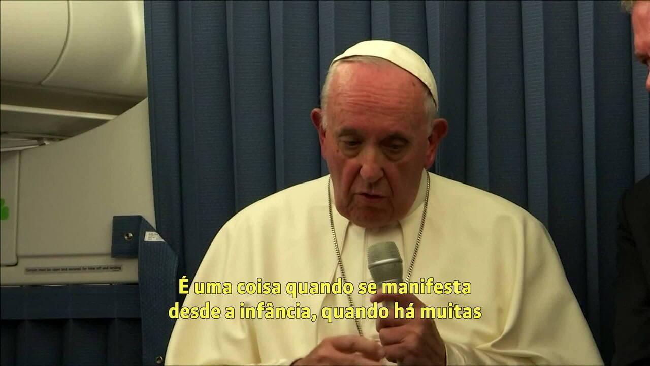 Papa diz para pais não condenarem filhos homossexuais