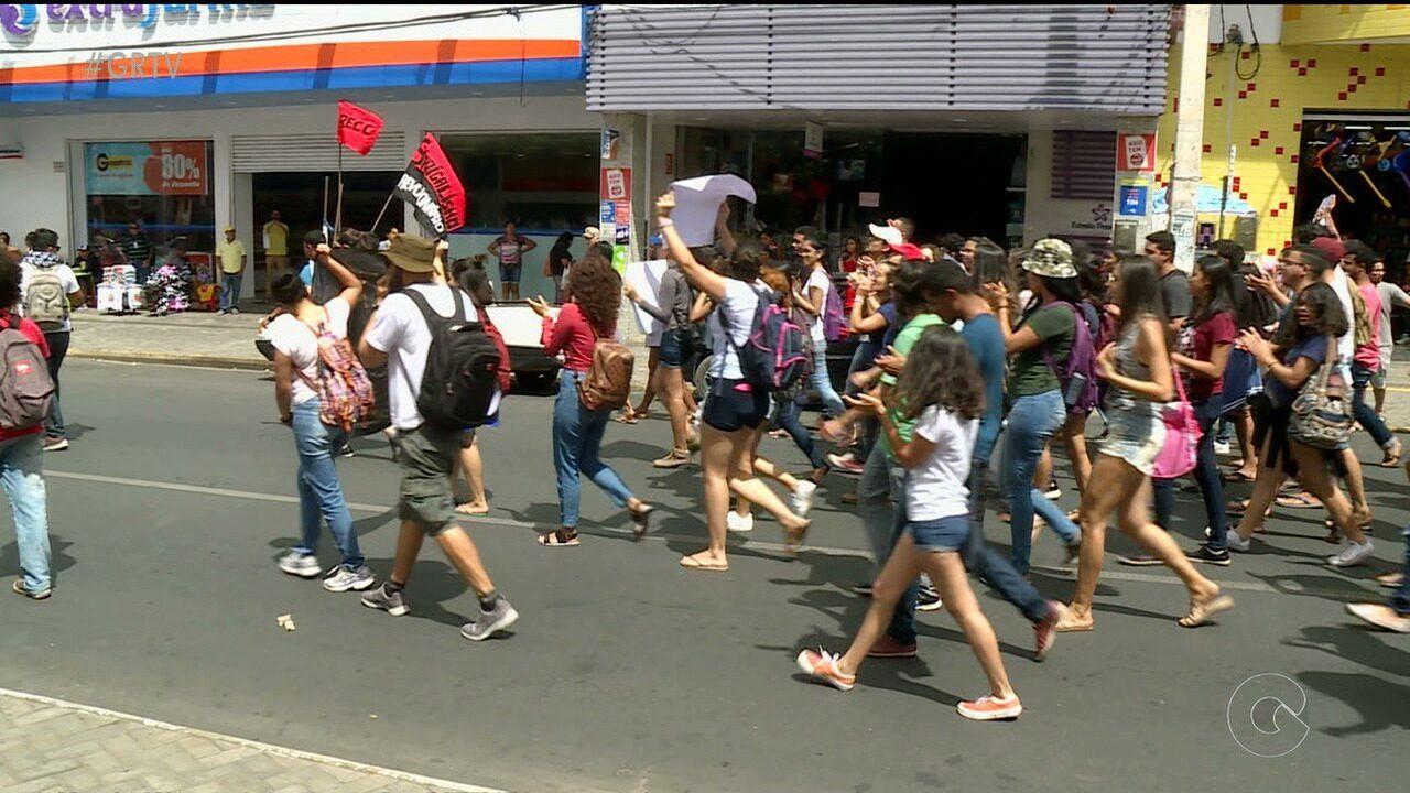 Estudantes da Univasf fazem manifestação em Petrolina