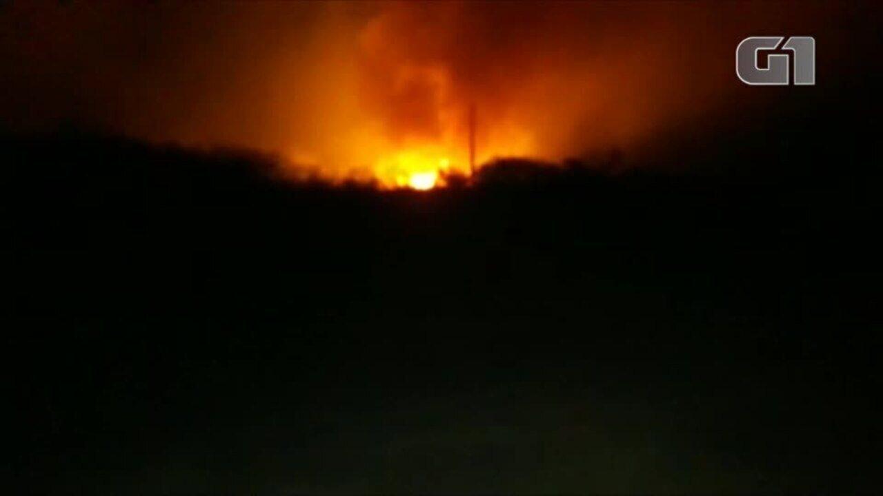 Incêndio ameaça propriedades e animais no Sul do Piauí