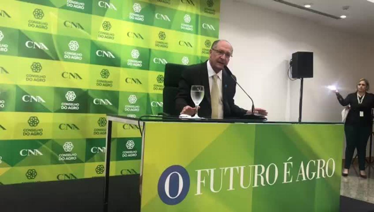 O candidato Geraldo Alckmin defendeu propostas de seu plano de governo na CNA