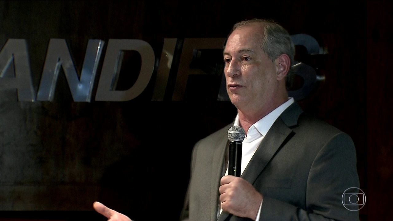 Candidato do PDT, Ciro Gomes faz campanha em Minas Gerais