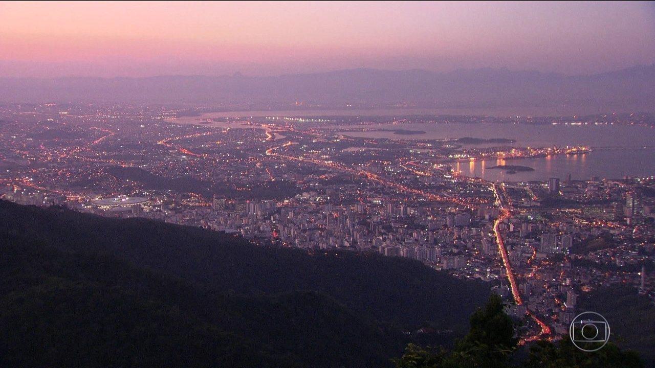 O Brasil tem 208,5 milhões de habitantes, segundo estimativas do IBGE