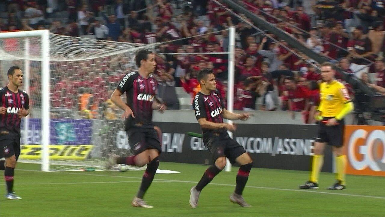 Melhores momentos: Atlético-PR 1 x 0 Vasco pela 15ª rodada do Campeonato Brasileiro