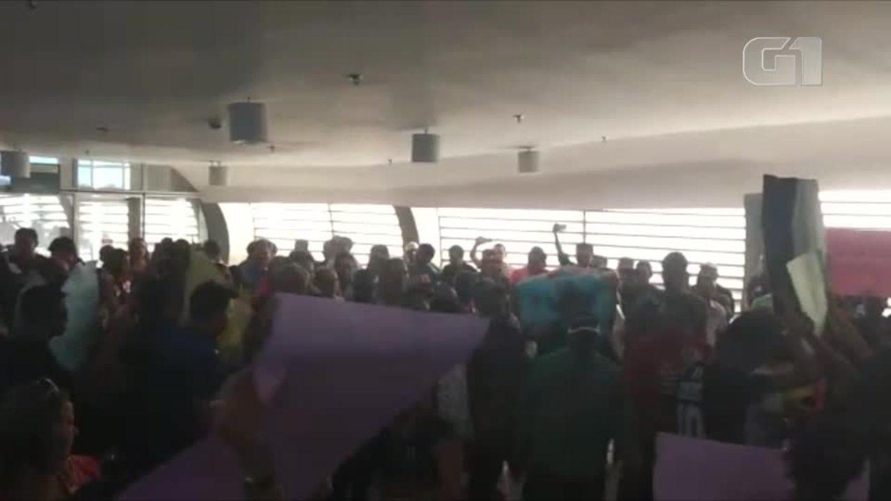 Estudantes protestam por conta de problemas da UESPI em São Raimundo Nonato