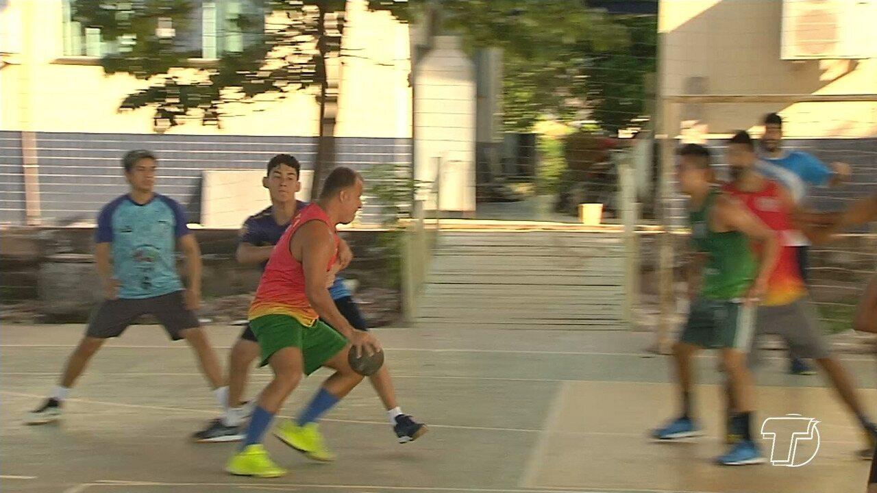 Equipe Tupã de Handebol faz últimos treinos antes de viagem para competição no Acre