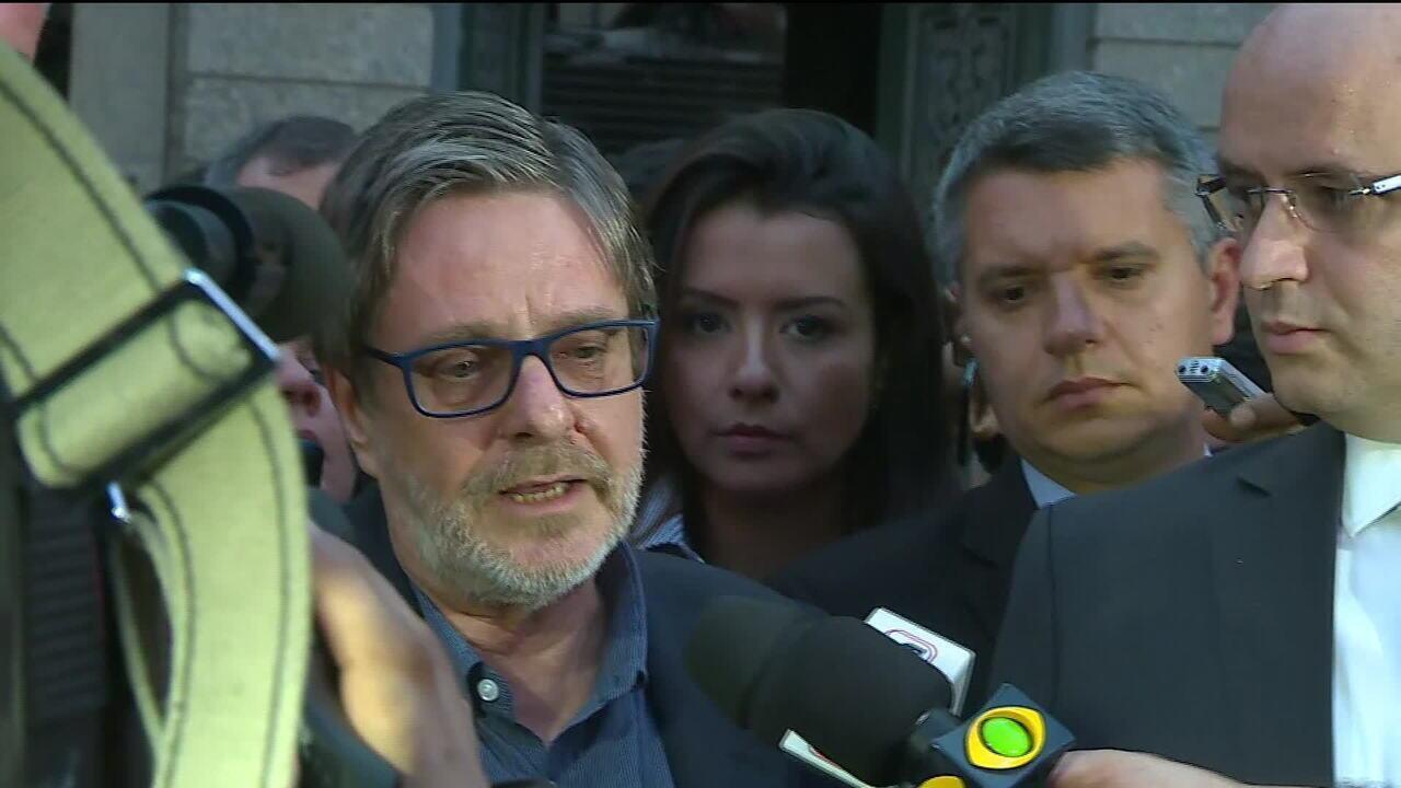 'Não tínhamos condições de manter brigada de incêndio 24h no museu', diz reitor da UFRJ
