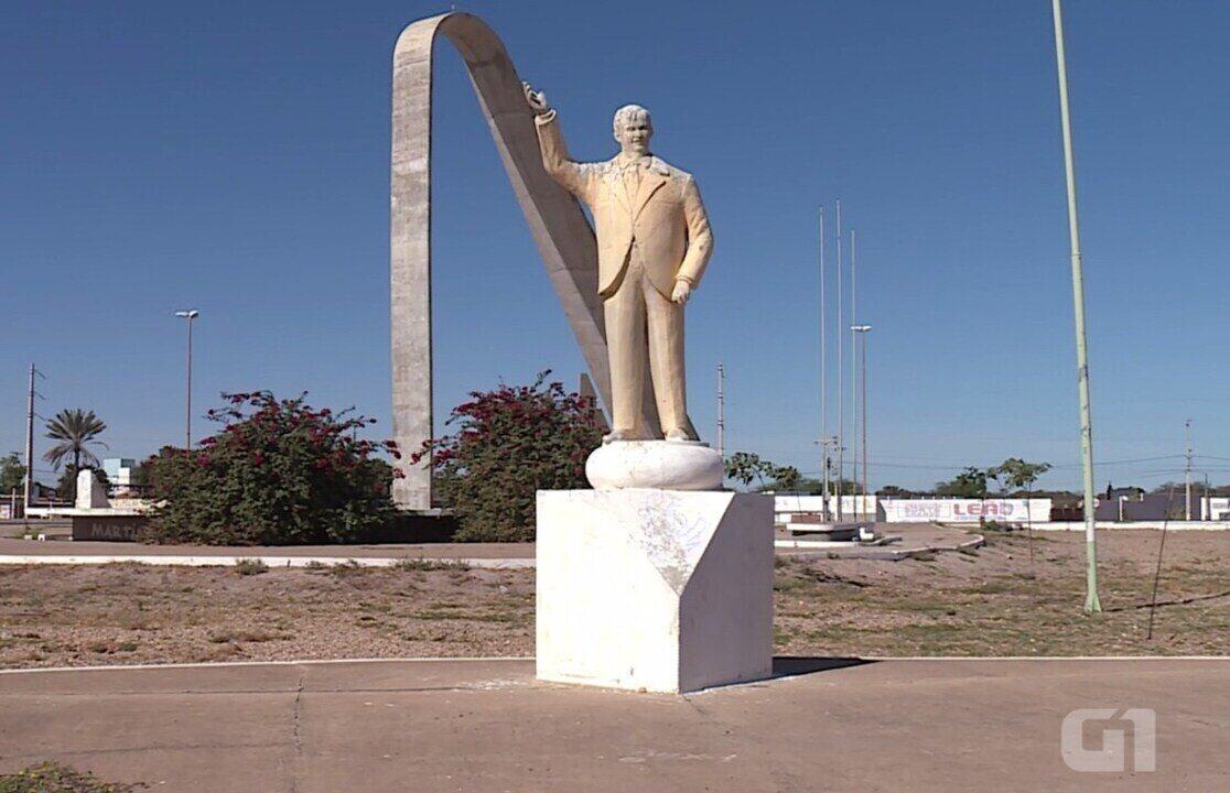 Ícones de Petrolina são lembrados no Monumento do Centenário