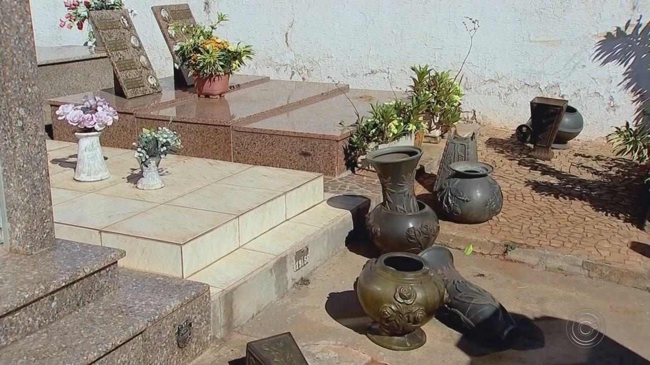Polícia investiga quem são receptores de peças furtadas em cemitérios na região