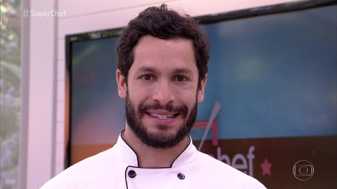 Rainer Cadete defende sua permanência no 'Super Chef Celebridades'