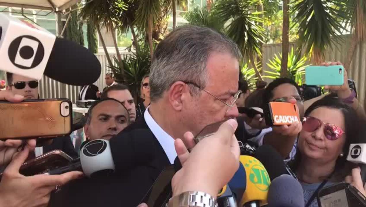 Polícia Federal trabalha com hipótese de que agressor de Bolsonaro agiu como 'lobo solitár