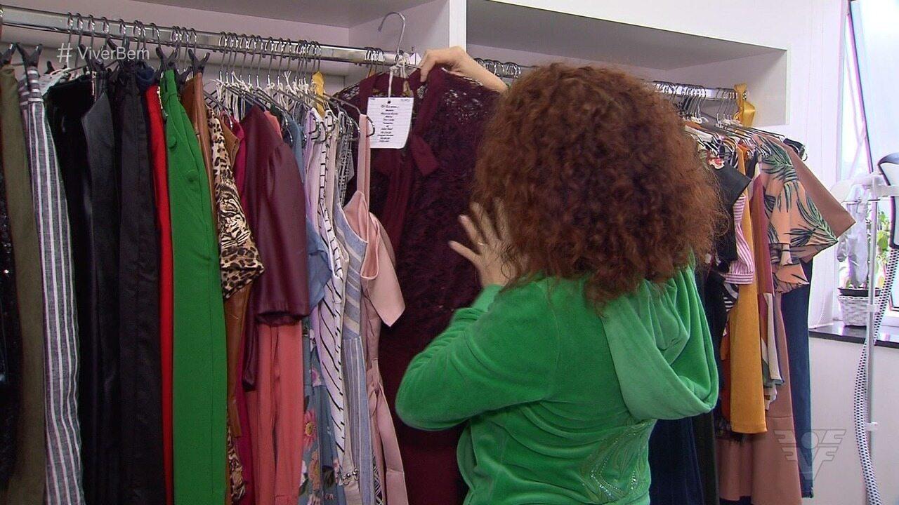 Consumo consciente visa a economia ao comprar roupas novas