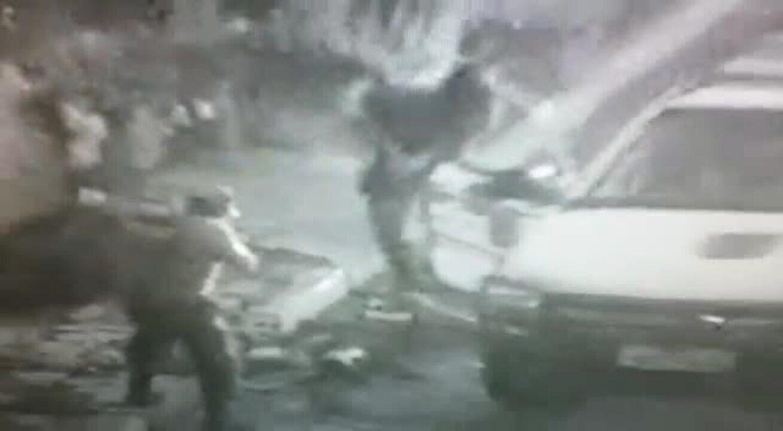 Dupla é presa com arma caseira e moto adulterada em Vila Velha, no ES