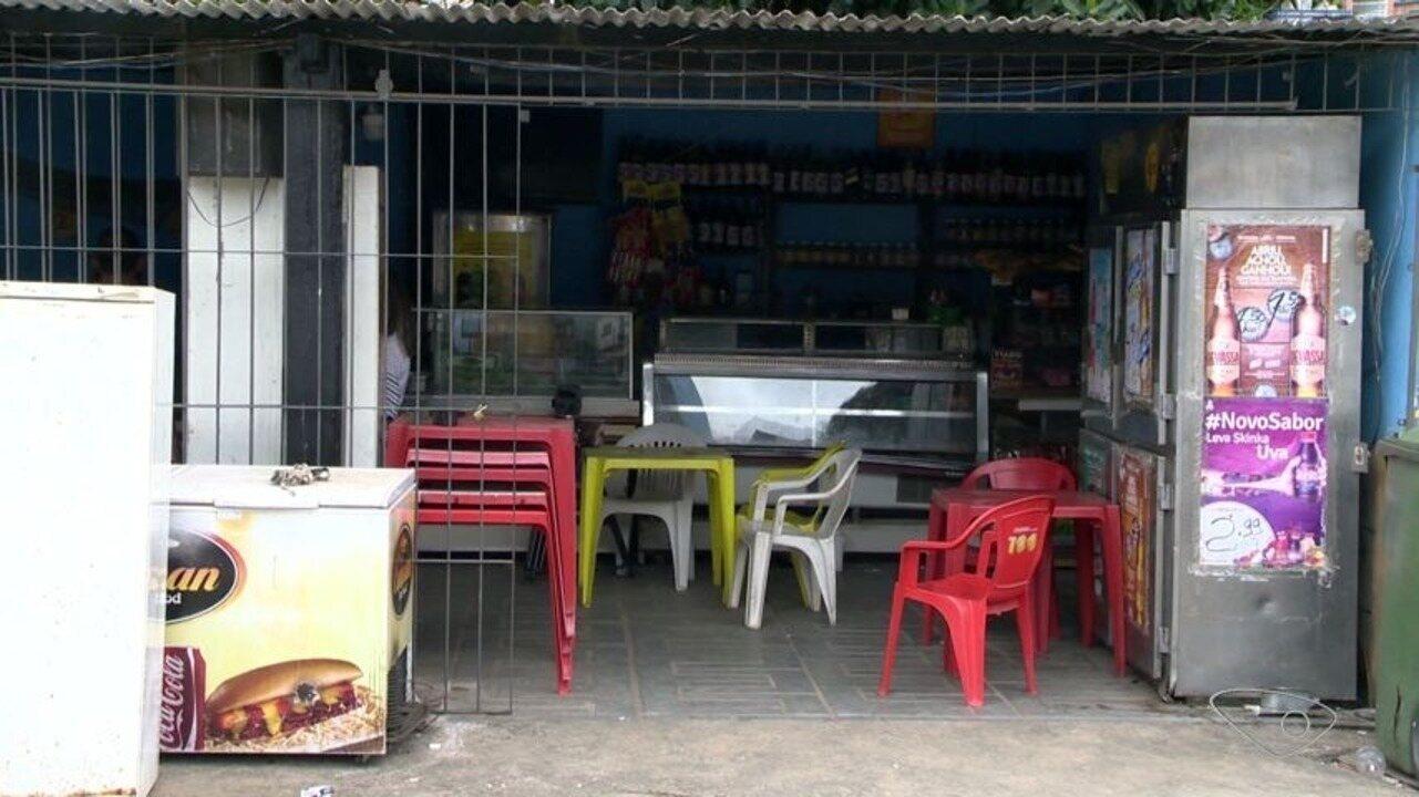 Cliente de bar é baleado durante assalto em Cariacica, no ES