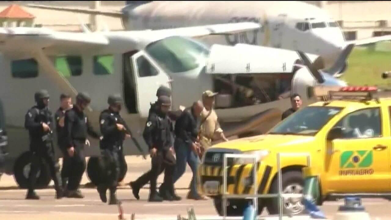 Agressor de Jair Bolsonaro chega em Campo Grande (MS)