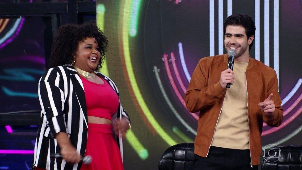 Juliano Laham e Polly Marinho escolhem campainha número 1