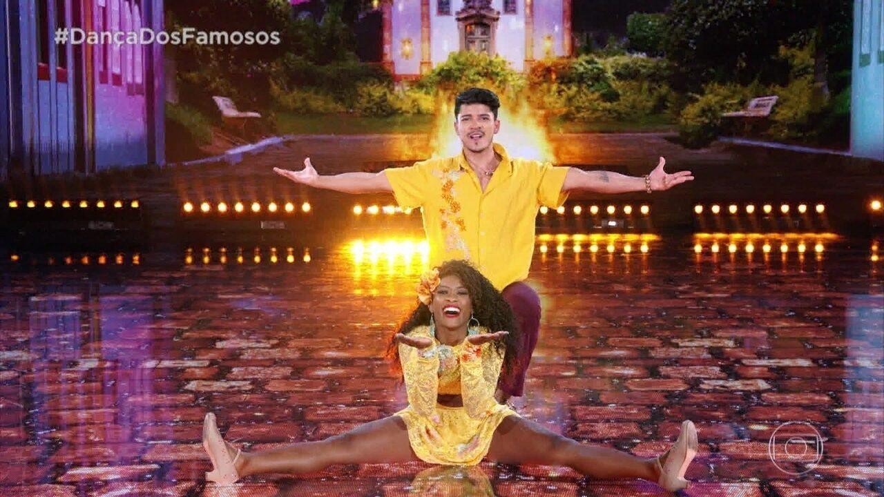 Érika Januza e Elias Ustariz arrasam dançando forró