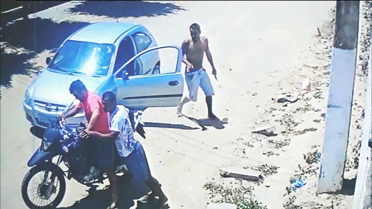 Polícia divulga imagens de suspeitos de matar casal no bairro do Ligeiro