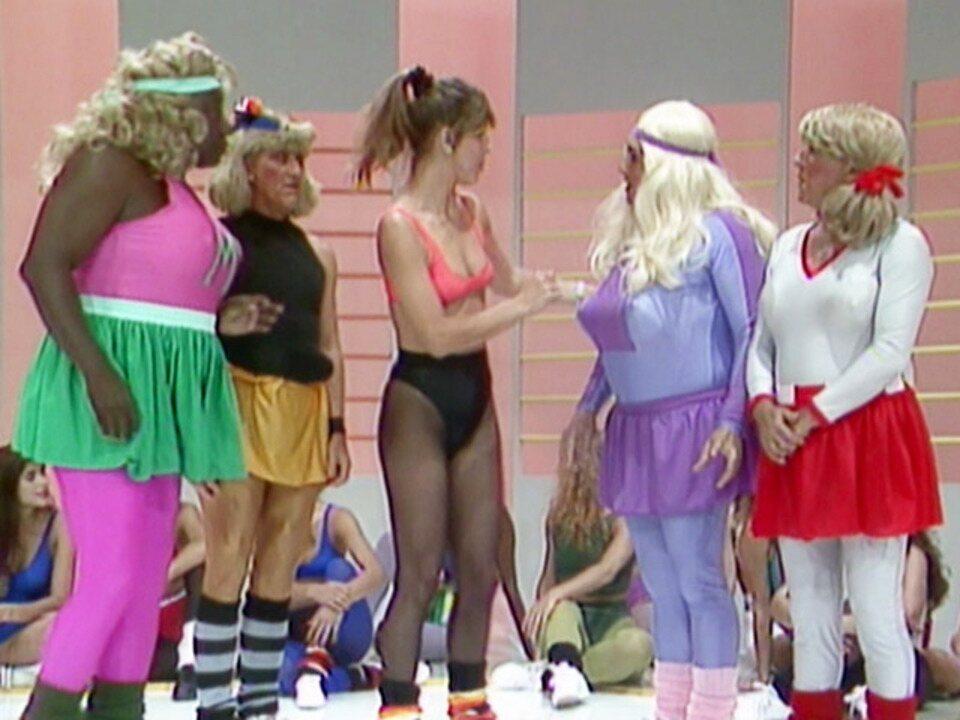Os Trapalhões - Episódio de 08/10/1989 - Paquitas treinam e cantam no programa. Didi e Dedé brigam por mulher no topo da montanha. Truque? Mussum impressiona na musculação!