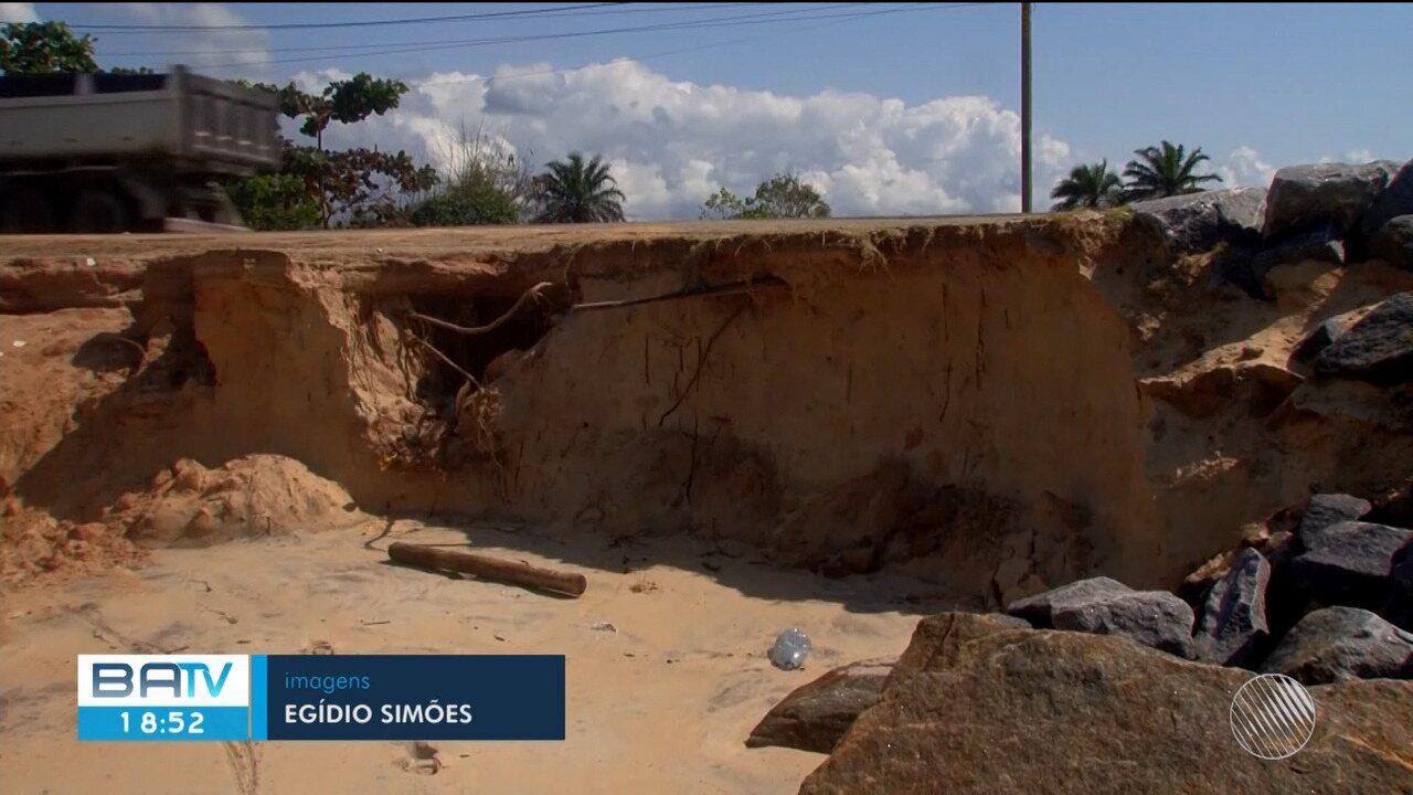 Ressaca marítima destrói parte do trecho da BR-367 em Porto Seguro