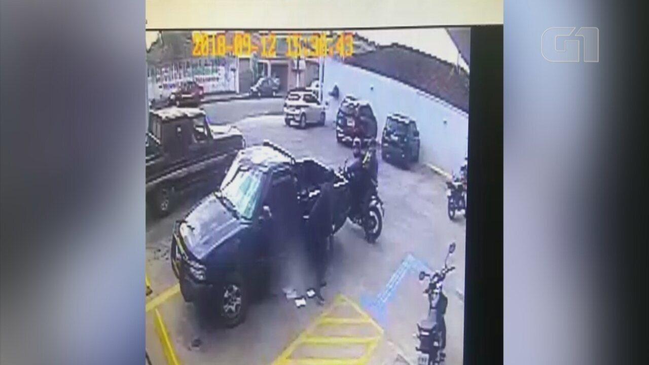 Homem é assaltado em frente a agência bancária no centro de São Miguel Arcanjo