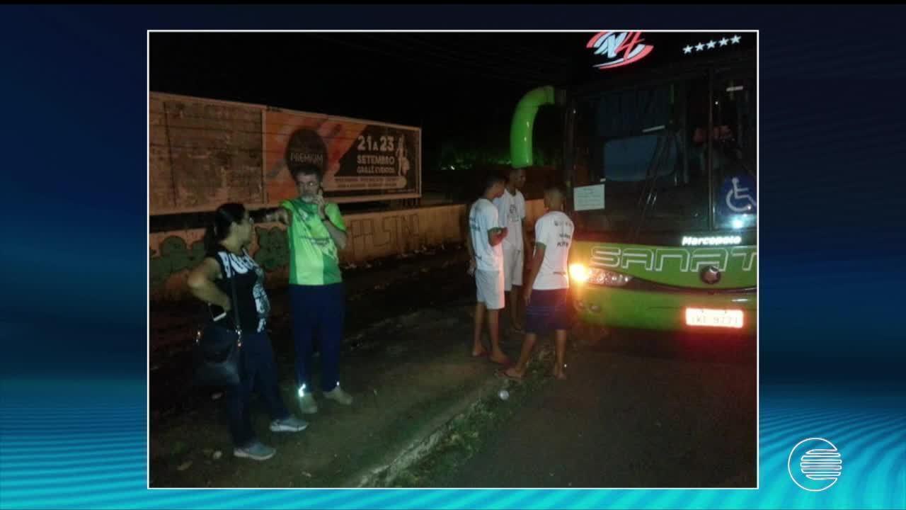 Delegação do Piauí atrasa viagem em 15h após problema mecânico em ônibus
