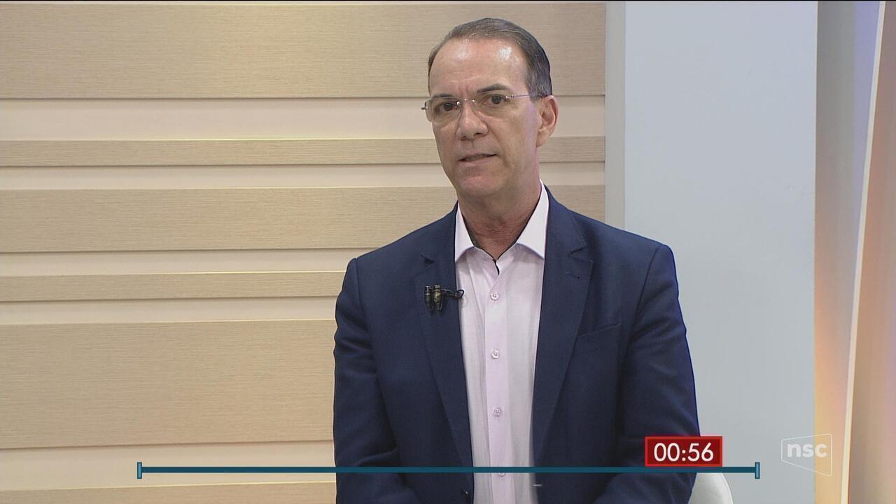 Candidato Décio Lima (PT) é o entrevistado do Jornal do Almoço