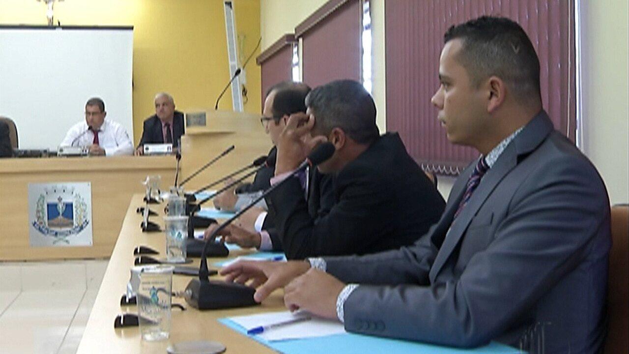 Câmara de Biritiba Mirim empossa vice no cargo de prefeito, após afastamento de Jarbas