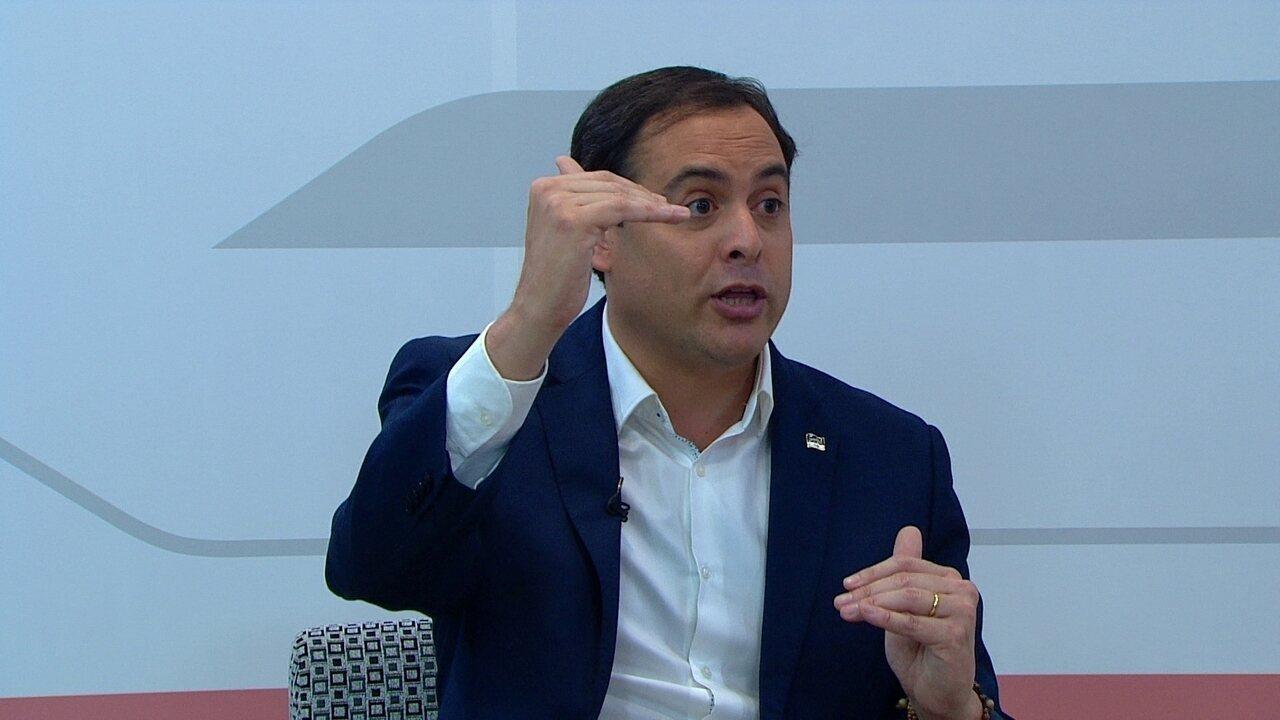 Paulo Câmara diz que fez o possível sobre reajuste de professores em Pernambuco