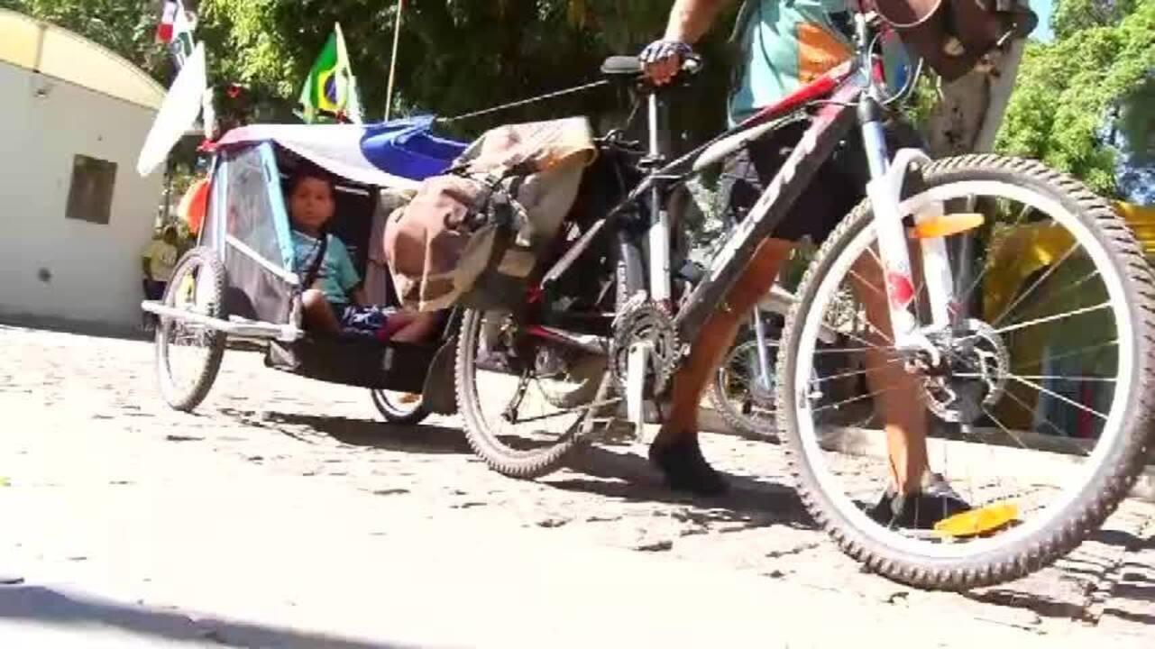 Romeiro alagoano pedala 600 km com o filho, de Maceió a Juazeiro do Norte