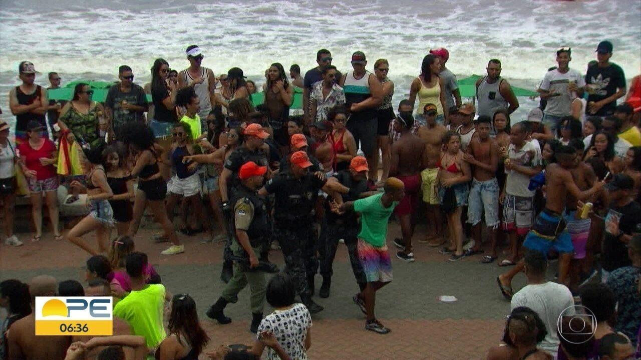 Polícia apreende 13 jovens por tumulto e assaltos na Parada da Diversidade do Recife