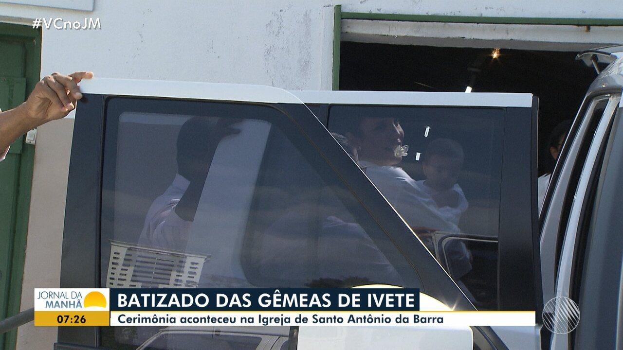 Ivete Sangalo batiza filhas gêmeas em igreja de Salvador