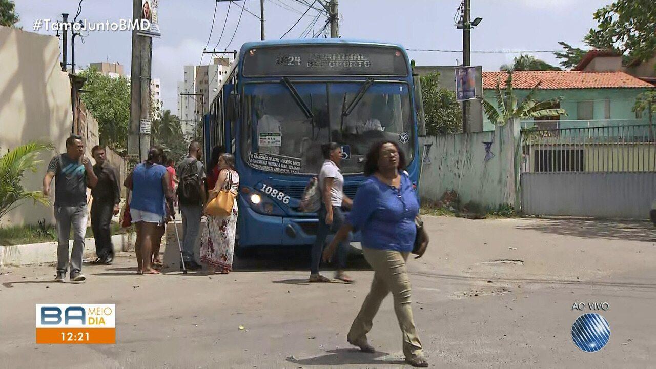 Ônibus é incendiado e moradores ficam sem transporte no Jardim das Margaridas