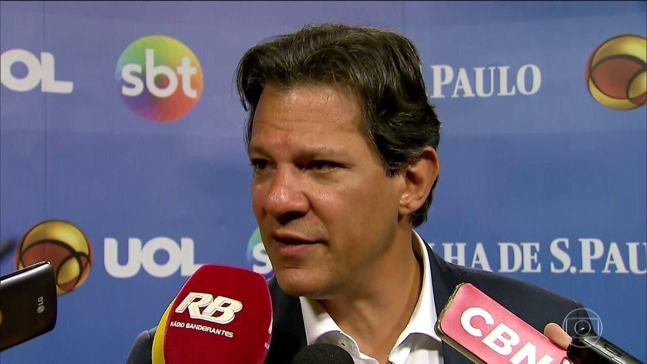 Fernando Haddad, candidato do PT à presidência, faz campanha em São Paulo