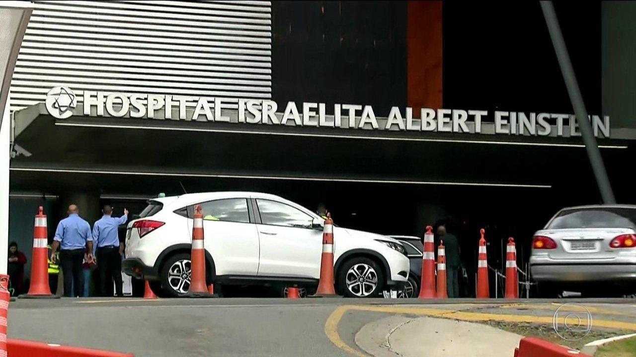 Candidato do PSL, Jair Bolsonaro, se recupera em tratamento semi-intensivo