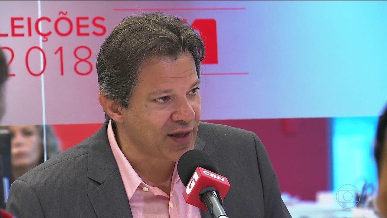Candidato do PT, Fernando Haddad, faz campanha em São Paulo e Santa Catarina